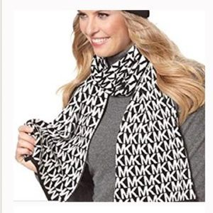 Michael Kors Signature logo scarf